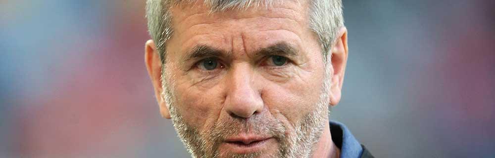 Die besten Online Sportwetten Fussball Close-up Gesicht Mann mit Bart