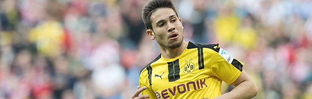 Die besten Online Sportwetten Close-up Fussballspieler BVB Guerreiro im Spiel