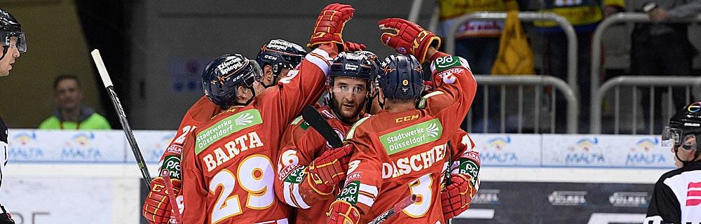 Die besten Online Sportwetten Close-up Eishockeyspieler Umarmung auf dem Eis