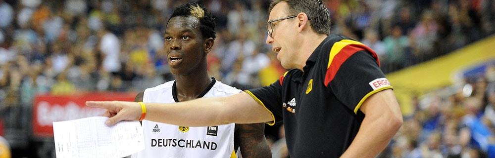 Die besten Online Sportwetten Close-up Basketballspieler und Schiedsrichter