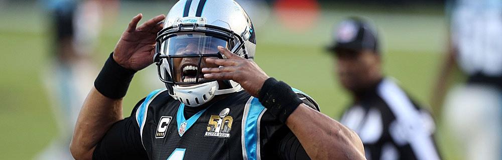 Die besten Online Sportwetten Close-up american football Spieler Cam Newton mit Helm schreit im Spiel