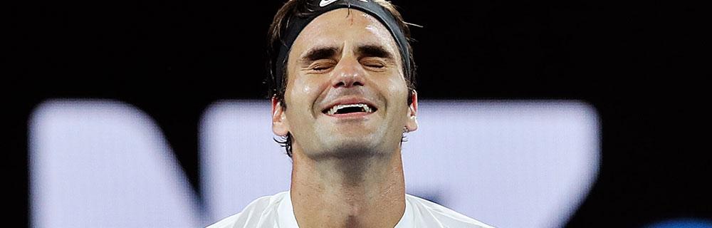 Die besten Online Sportwetten Close-up Tennisspieler Federer glückliches Gesicht auf dem Platz