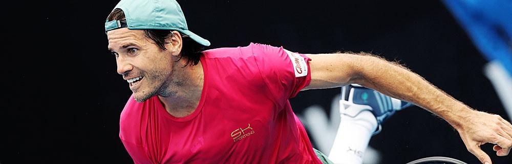 Die besten Online Sportwetten Close-up Tennisspieler im Spiel