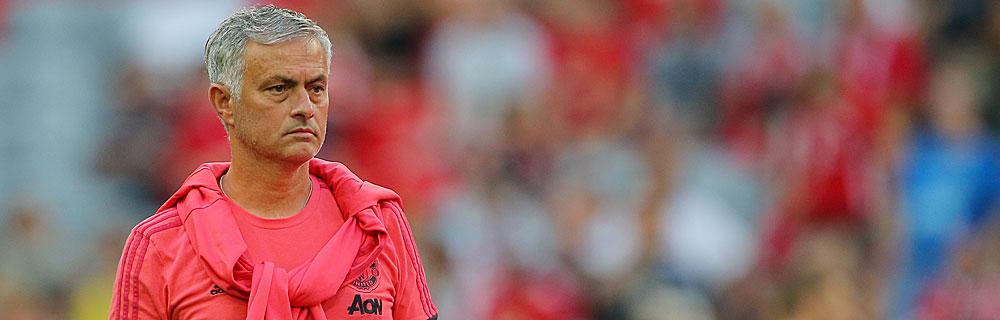 Die besten Online Sportwetten Close-up Fussball Trainer Mourinho am Spielfeldrand