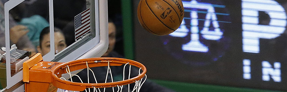 Die besten Online Sportwetten Close-up Basketball über Basketballkorb