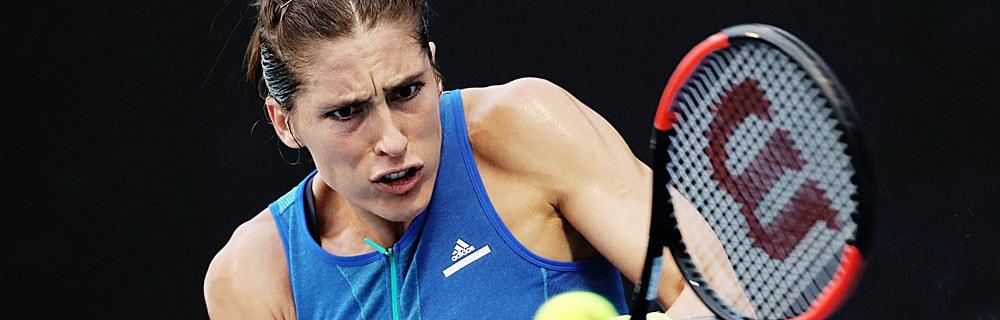 Die besten Online Sportwetten Close-up Tennisspielerin Petkovic im Spiel Schläger Tennisball