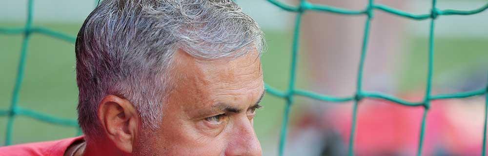 Die besten Online Sportwetten Close-up Gesicht Fussball Trainer Mourinho