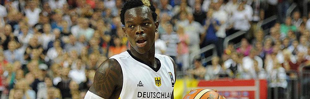 Die besten Online Sportwetten Close-up Basketballspieler auf dem Spielfeld im Spiel