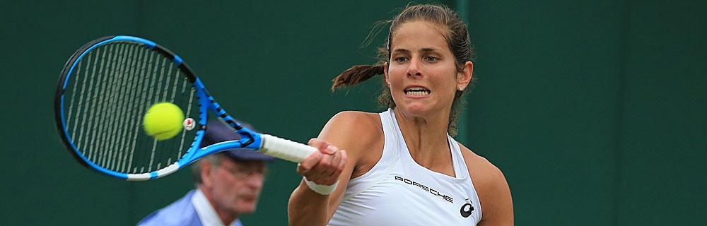 Die besten Online Sportwetten Close-up Tennisspielerin im Spiel Schlag Tennisball
